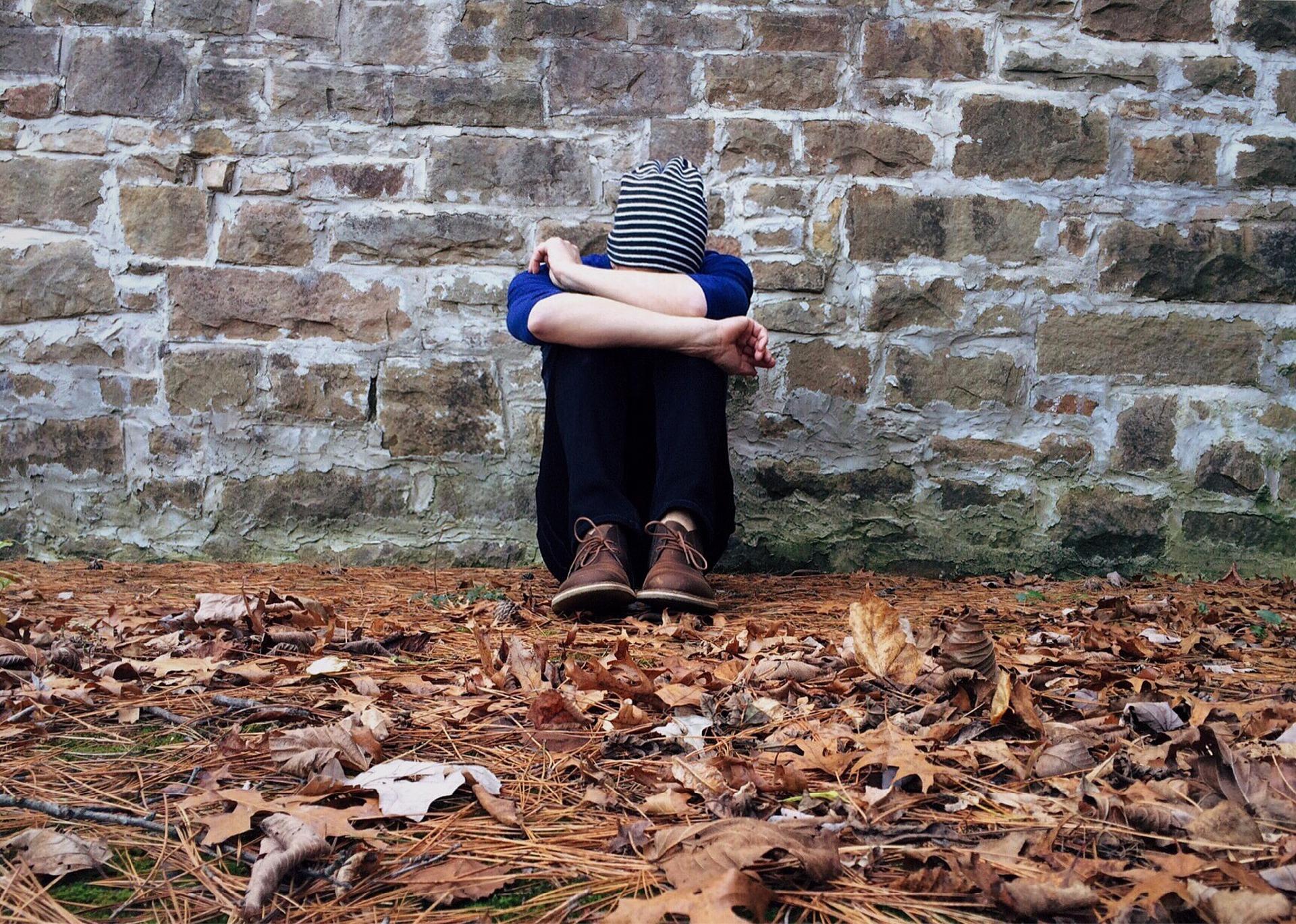 pourquoi consulter un psychothérapeute, soigner déprime et dépression, traiter dépression nerveuse, comment s'en sortir, se motiver, aller mieux, comment ne plus être angoissé, gérer les crises d'angoisse. Se calmer, se soigner, se débarrasser, comment calmer une crise d'angoisse, anxiété sociale, timidité, sortir de la dépression, se débarrasser d'une addiction